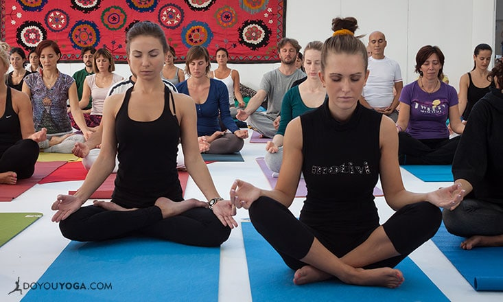 10 Experiences You Have at a Yoga Conference