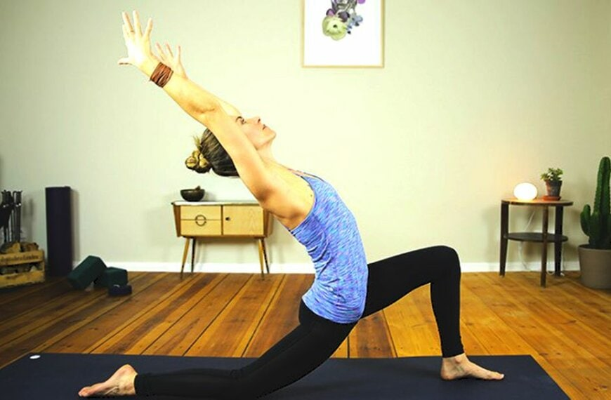 10 Minute Morning Detox Yoga Flow to Transform Your Day