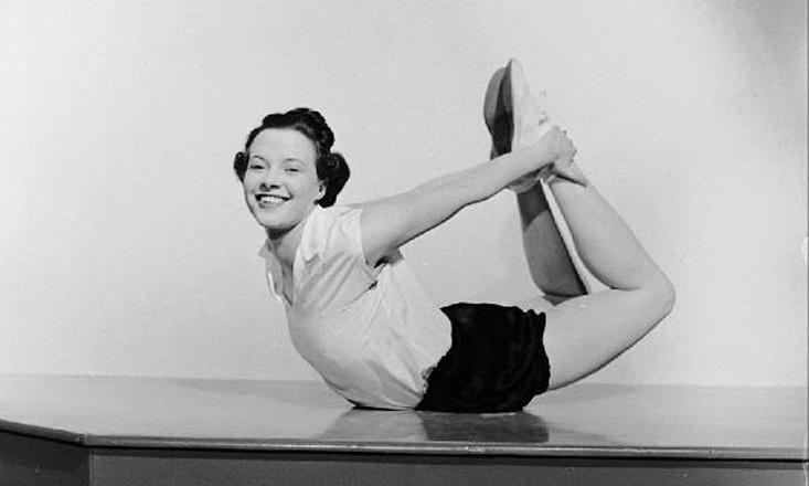 18 Amazing Vintage Yoga Photos