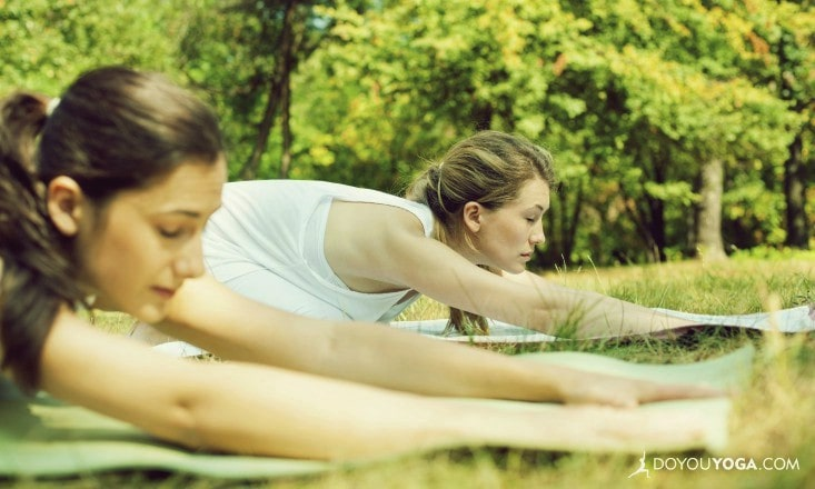 3 Ways to Tell If Your Yoga Teacher Is Supporting Or Ignoring You