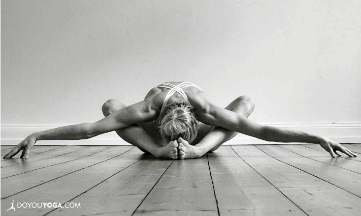 4 Amazing Ways Yoga Can Help You Sleep