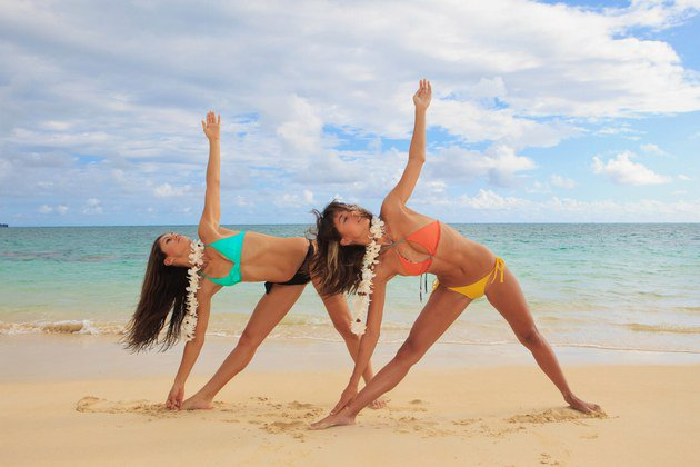 Prop Yourself Up With Sand – 5 Sunny Beach Yoga Poses