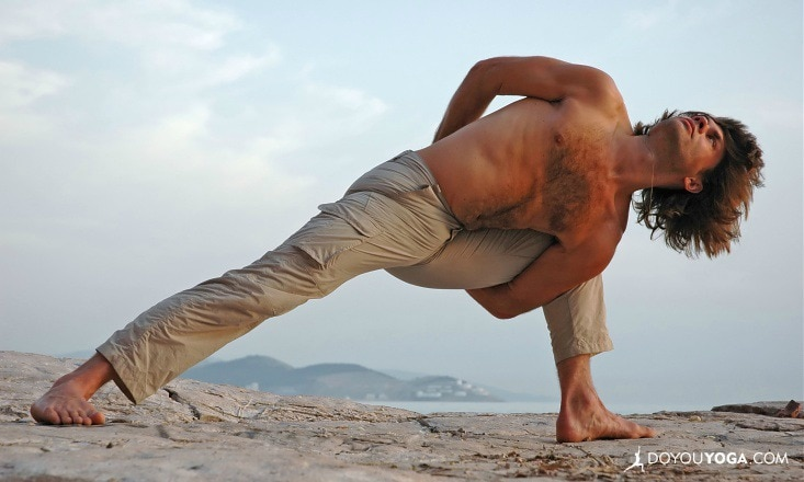 5 Ways to Become the MacGyver of Yoga