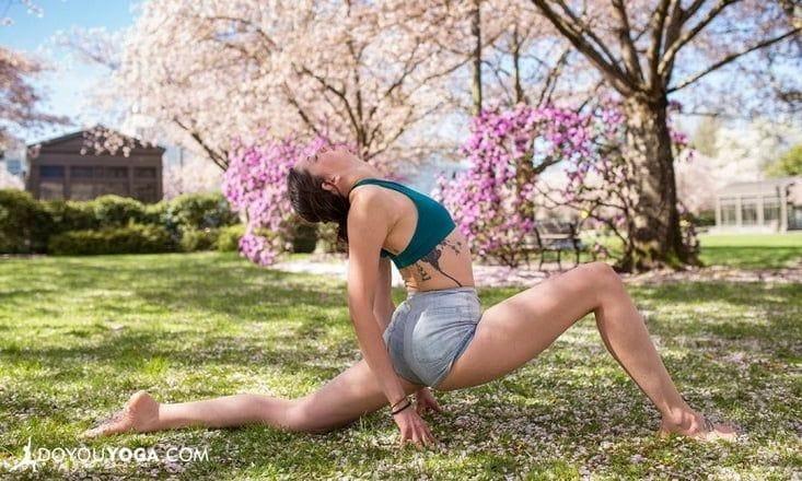 7 Amazing Spring Yoga Poses to Awaken & Enlighten