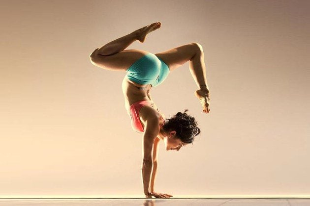 How To Love 'The Yoga Girl'