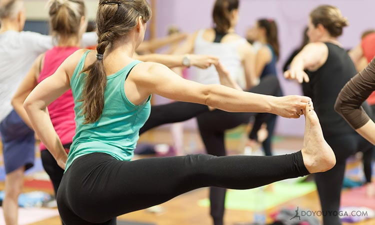 How To Choose The Right Yoga Studio For You