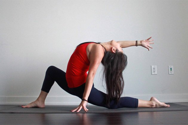 How to Do Low Lunge Pose