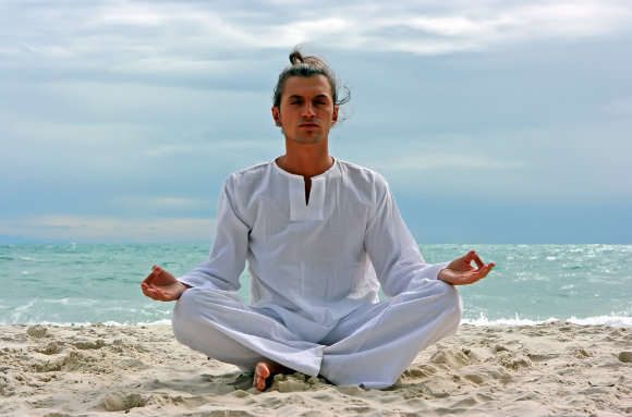 Men's Yoga Clothing – What a Man Needs