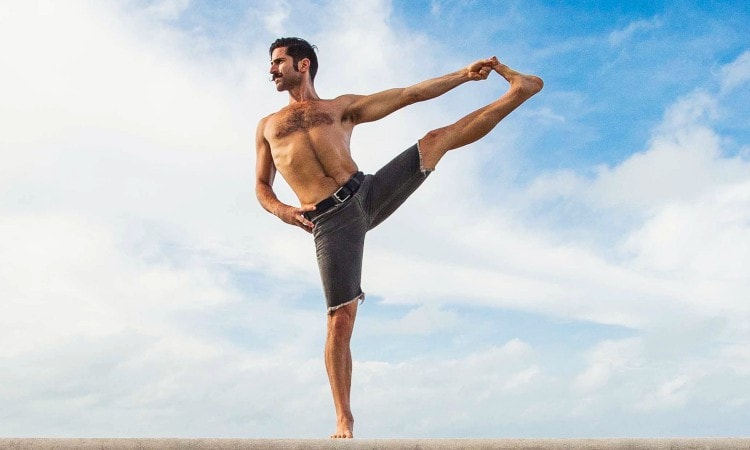 Yoga Pose 101: Extended Hand-to-Big-Toe Pose
