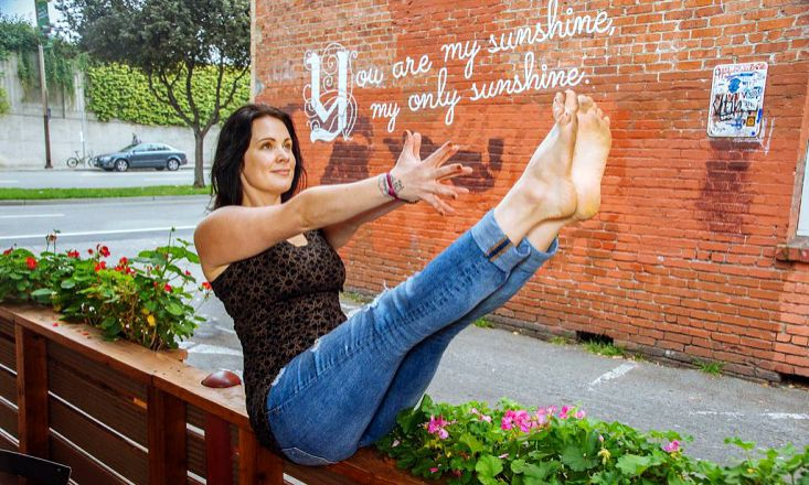 Yoga To Go: Eight 5-Minute Practices for Busy Yogis
