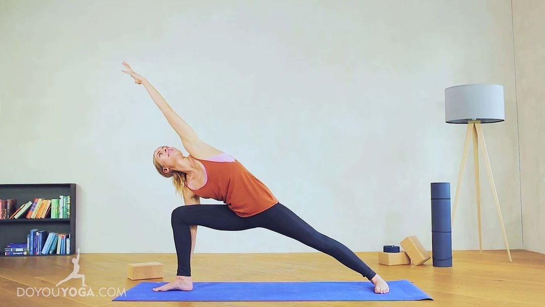 Extended Side Angle Pose / Utthita Parsvakonasana