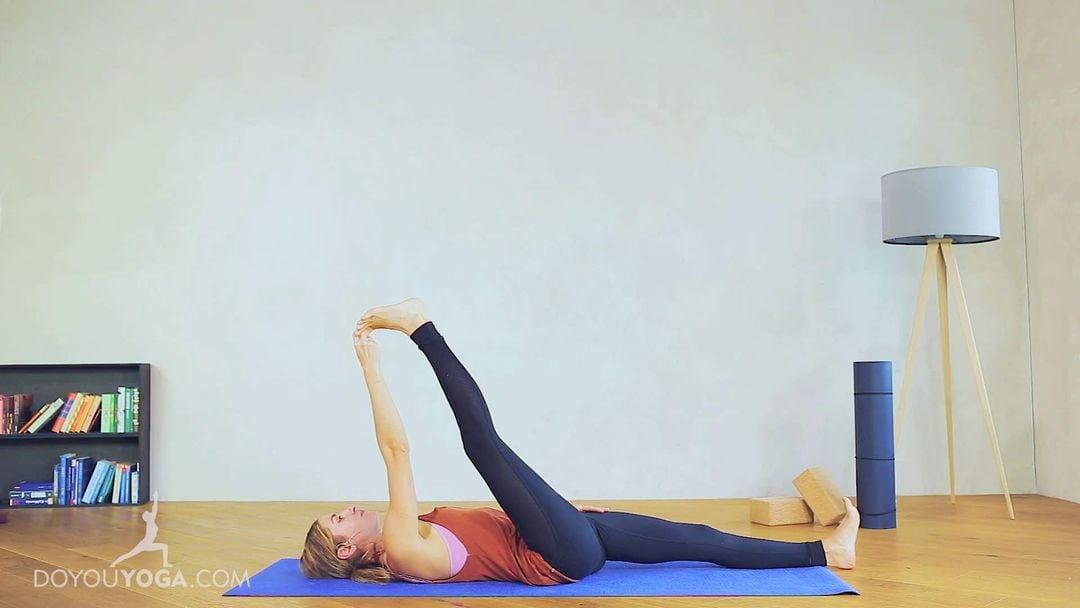 Reclining Hand to Big Toe Pose / Supta Padangusthasana