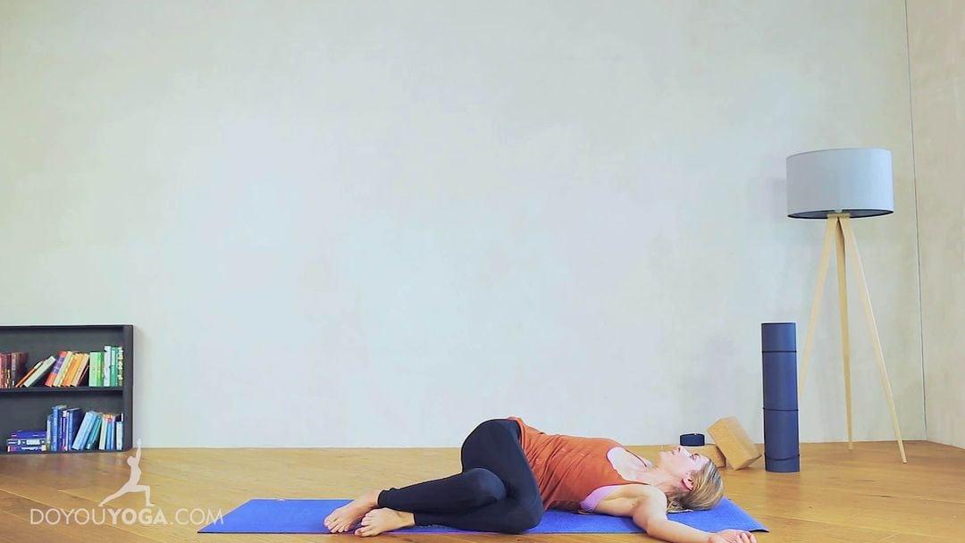 Reclined Spinal Twist Pose Variation / Jathara Parivartanasana Variation