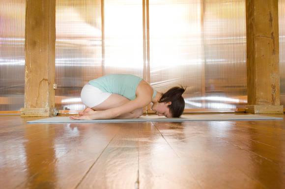 8 Surprising Benefits of Hot Yoga