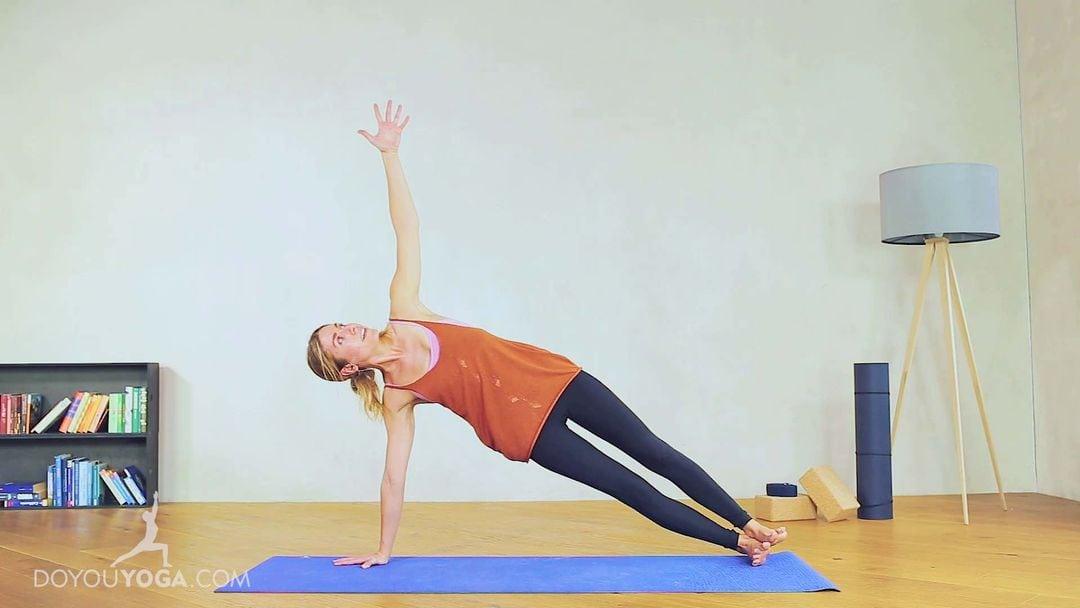 Side Plank Pose / Vashistasana