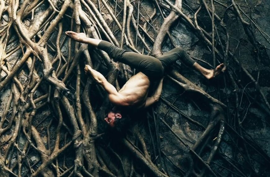 This Ashtanga Yoga Demo Inspires Us to Bring Yoga Back to Nature