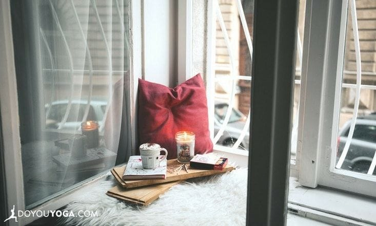 Why We're Combining Hygge + Decluttering to Create the Optimal Winter Habitat